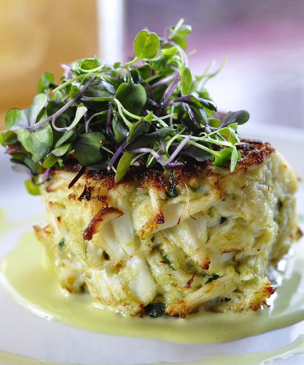 If you will be eating any leftover crab cakes within 3 to 5 days of having cooked them, your refrigerator is the ideal place for just all of them.